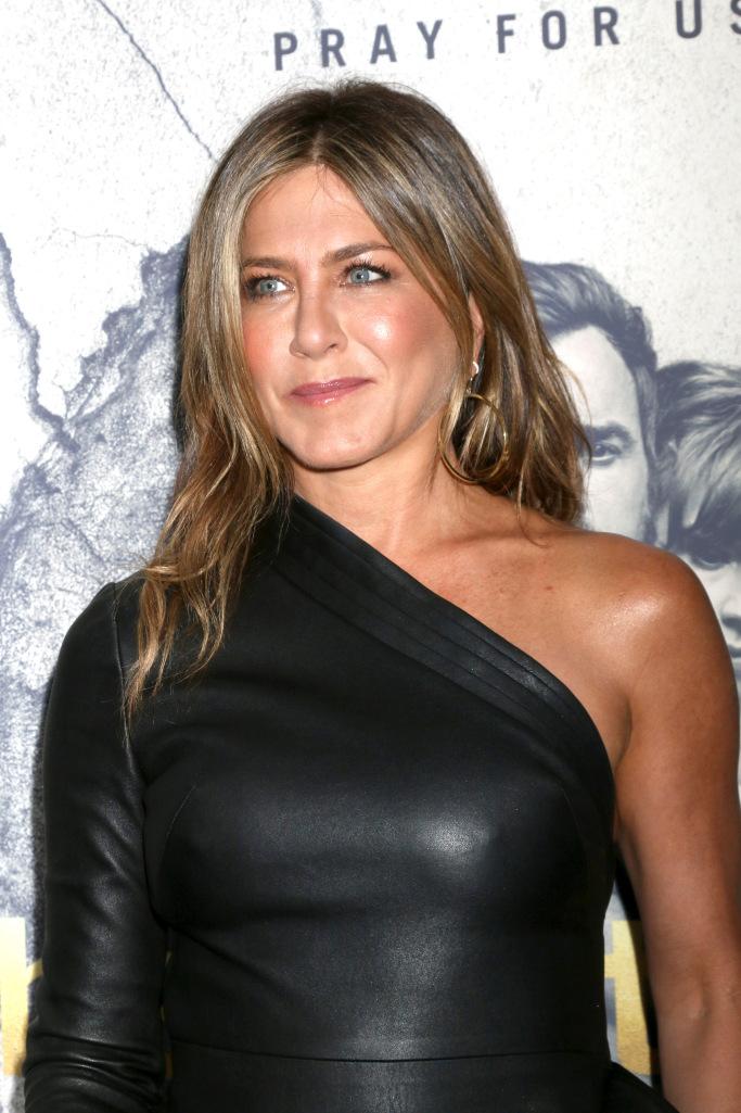 Jennifer Aniston Wears Nsfw Leather Dress Flashmode