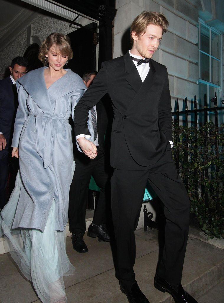 joe alwyn taylor swift Taylor Swift Gave Fans an Important Update on Her Next Album
