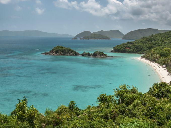شاطئ ترانك باي، جزيرة سانت جون