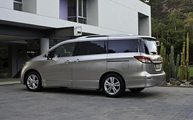 Nissan-Quest-2012-04