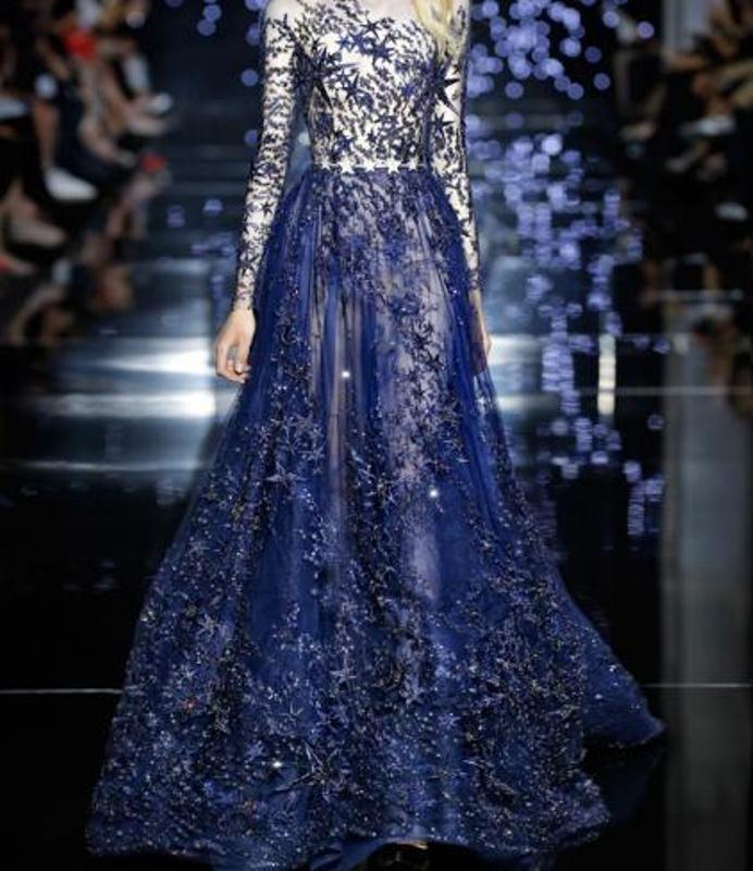 فستان أزرق مشجر