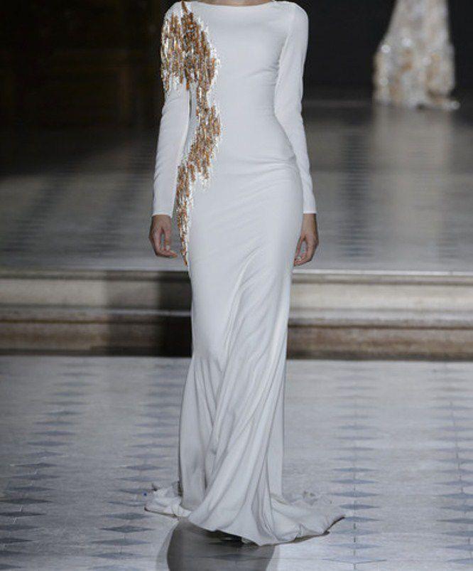 فستان أبيض ضيق