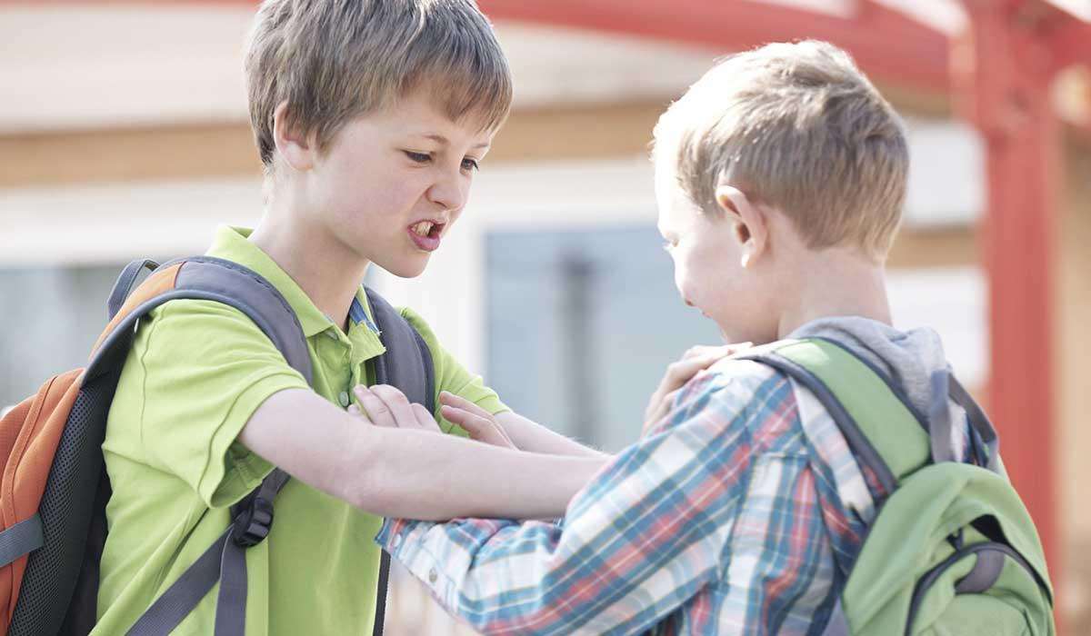 كيفية التعامل مع الطفل الذي يضرب